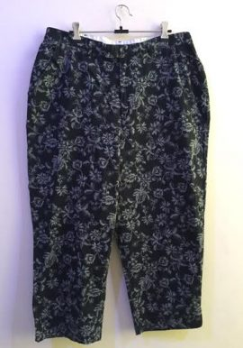 White Stag Plus Size Black Paisley Print Terry Pocket Capri