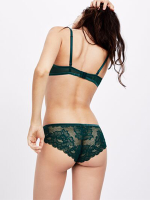 Indian women wearing green lace panties Picture Snazzyway India